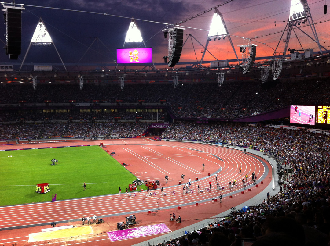 Inside the Olympic Stadium, pre 200m Final