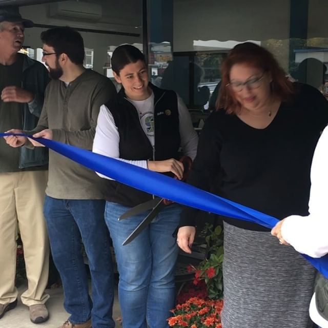 It was THRILLING to speak at and attend the ribbon cutting ceremony for @spaceonmainvt, founder Monique Priestley, her board, and the community of Bradford have done a really amazing thing. The Space is definitely the coolest #coworking space in #VT- which I say with pride and enthusiasm (and jealousy). What a great day to be a Vermonter. Woohoooo!!!! ☀️🍾🎉 #coworkingspace #remotework #telecommuter #remotejobs #coworking #gettowork #bradfordvt #vt #vermont #vtpoli #vtbiz #community #communityspace #mainstreet