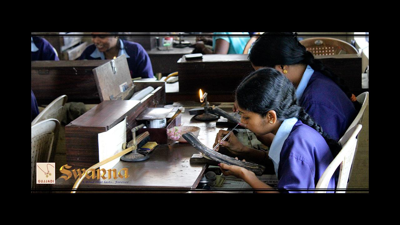 Dedicated Swarna trained Female Artisans