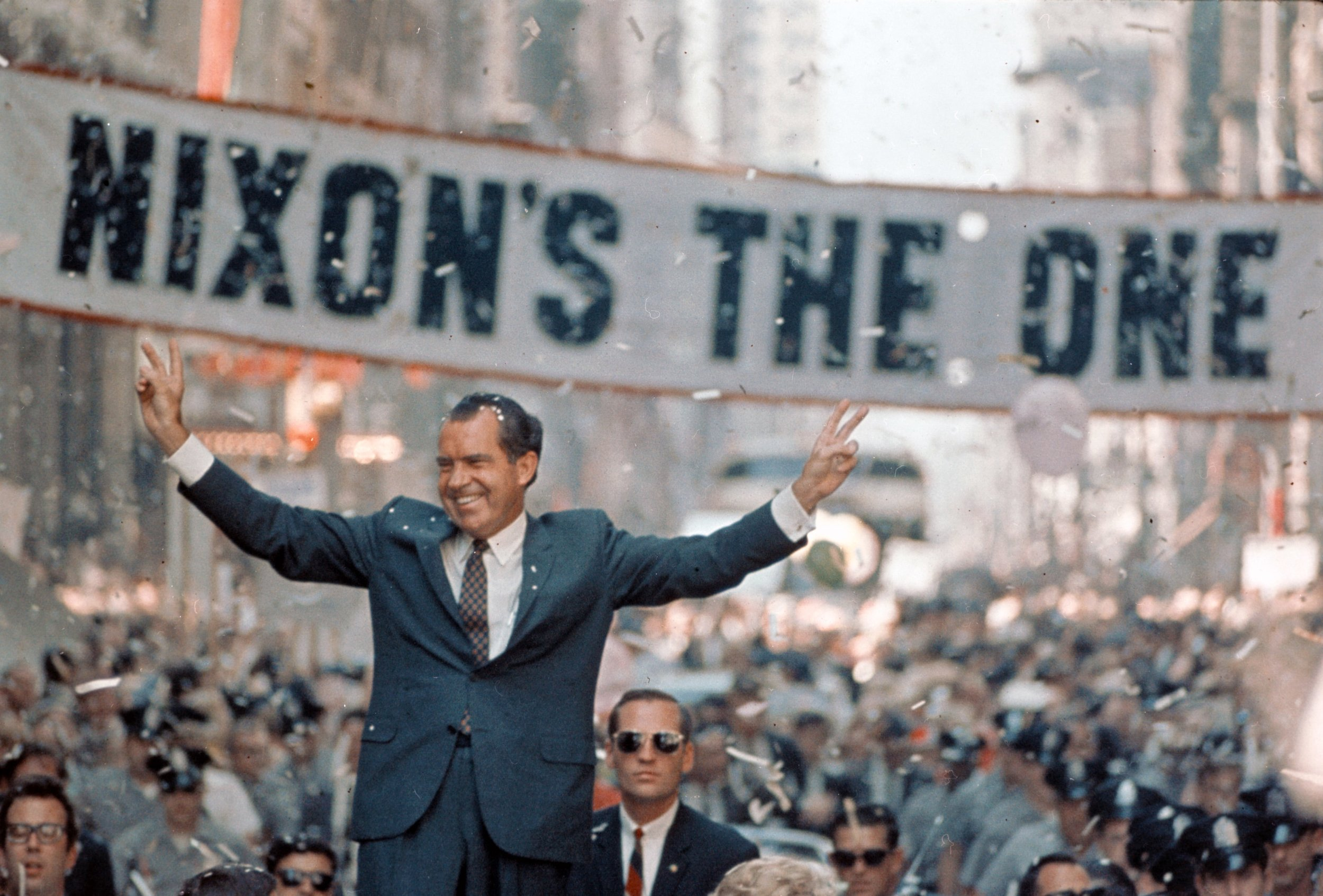 Nixon-Campaigns-in-Chicago1.jpg