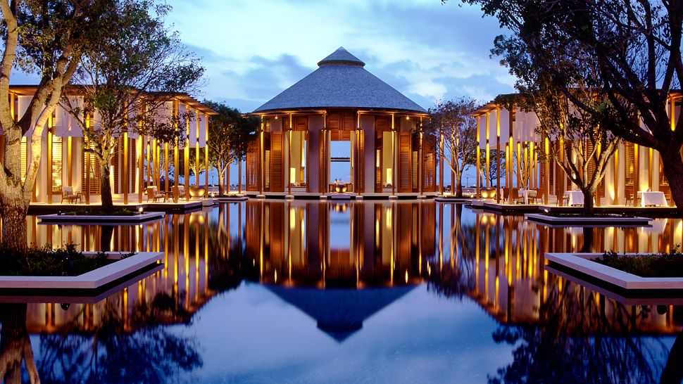 003264-11-Amanyara-Yara-Grand-Reflecting-Pool.jpg