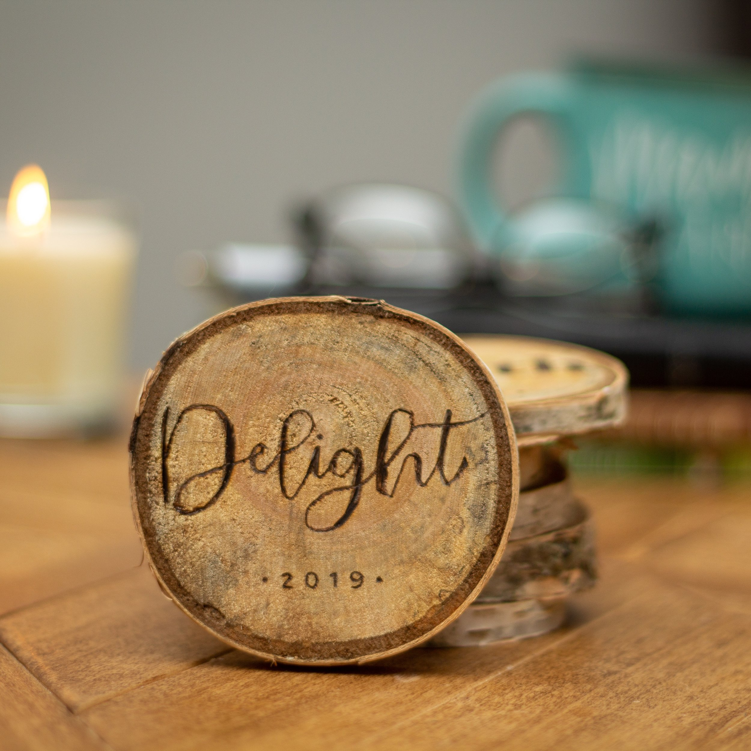 Hand-crafted wood burned inspirational round to keep you on track for 2019. Achieve your New Years resolutions with this cute daily reminder!