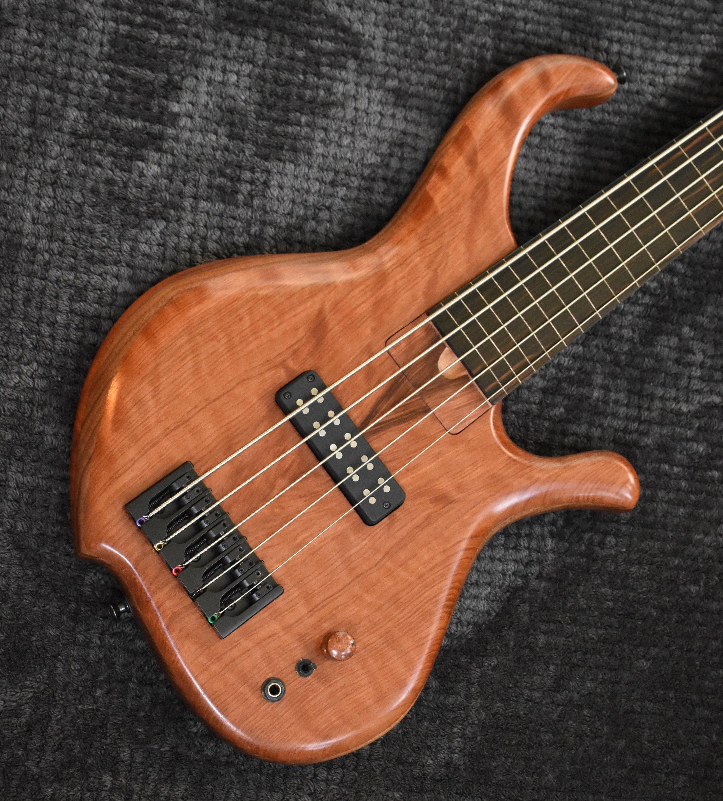 LowDown Custom Series 5F