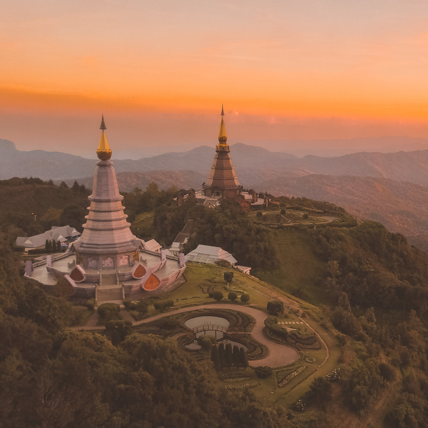 The Experience - an exploration & service retreat - COMING IN EARLY 2020A week-long women's retreat and service voyage to Thailand - with Nousha Salimi