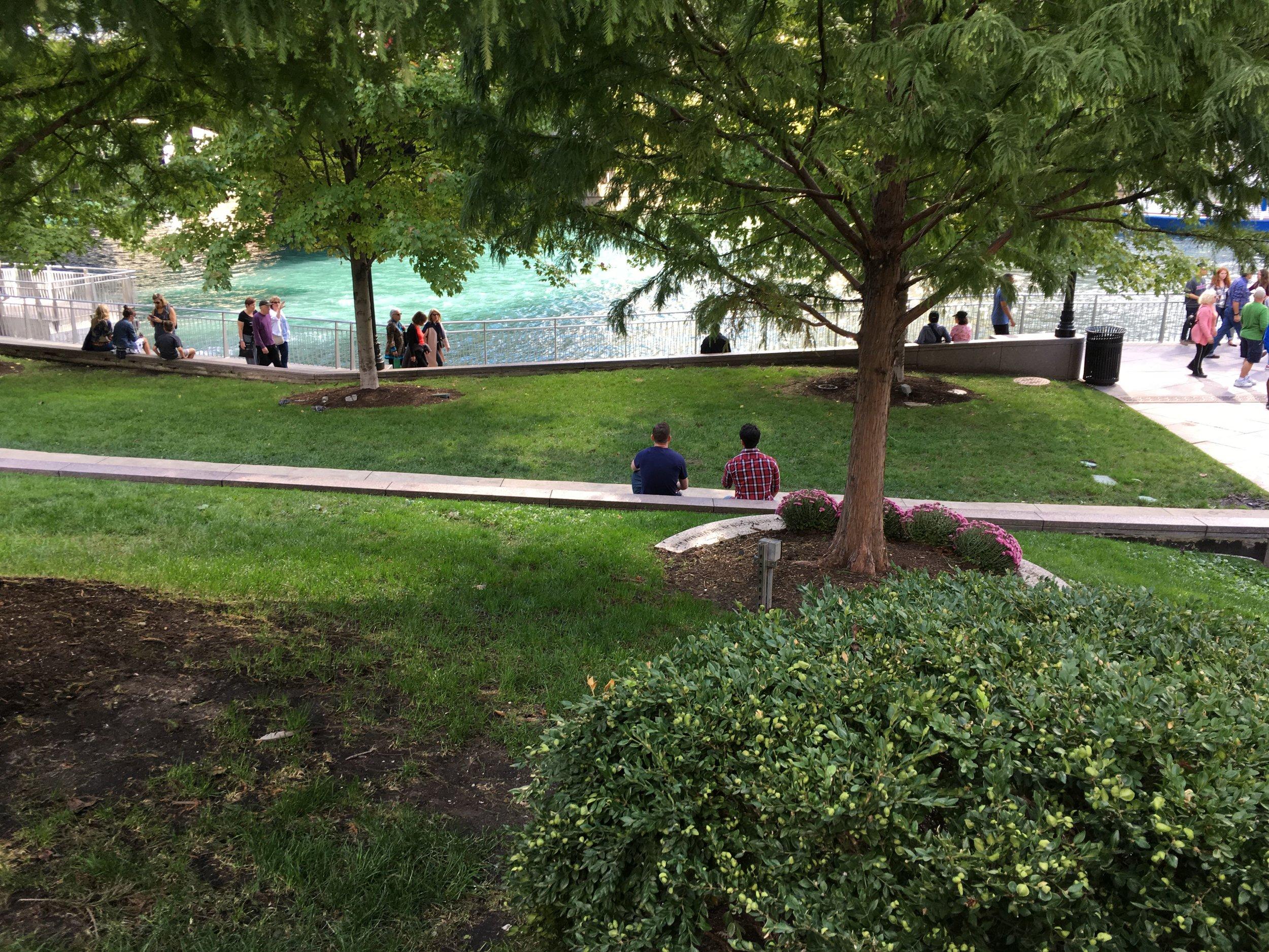 Chicago-Riverwalk-Proposal-Engagement13.JPG