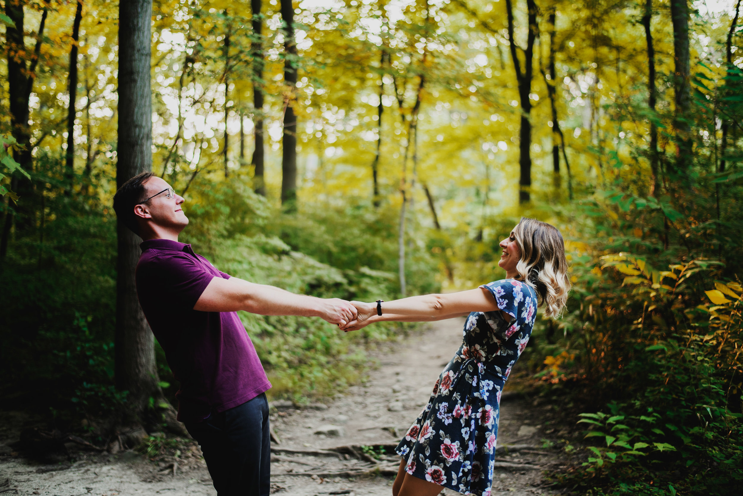 Danielle-Alex-WaterfallGlen-EngagementSession_0888.jpg