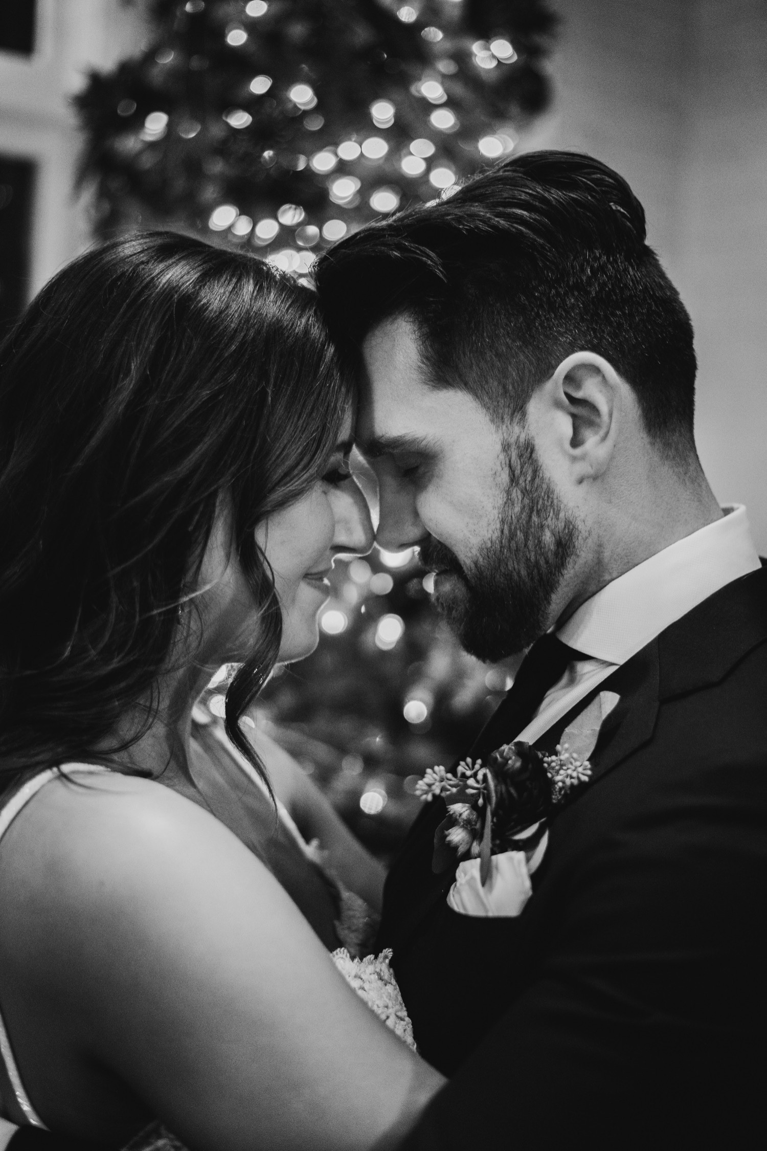 084_Haavig_Danada-Christmas-December-Wedding_0148_Decemberwedding_DanadaHouse_DanadaHouseWedding_Chicagowedding_ChristmasWedding.jpg