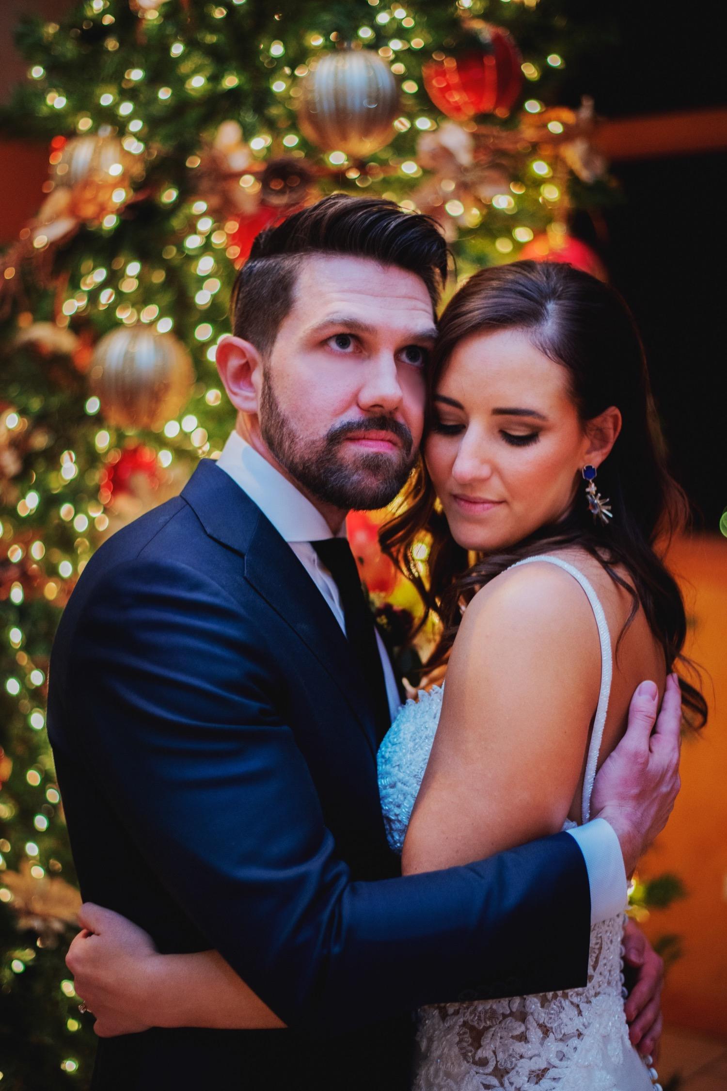088_Haavig_Danada-Christmas-December-Wedding_0154_DanadaHouse_DanadaHouseWedding_ChicagoSuburbWedding_Chicagowedding.jpg