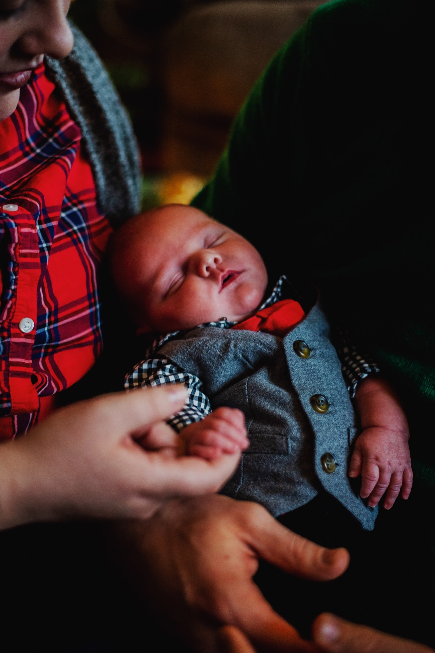 12_Hoehn-Newborn_0161_familysession_plainfield_newborn_Christmas.jpg