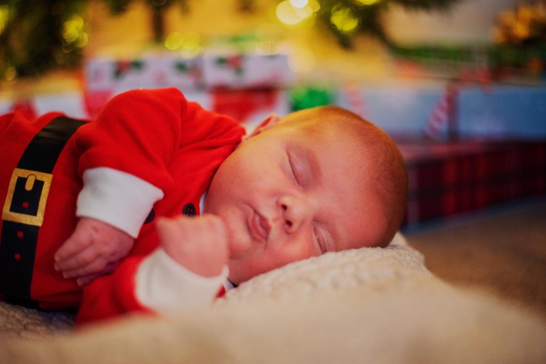 44_Hoehn-Newborn_0942_newborn_familysession_plainfield.jpg