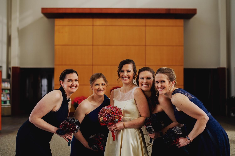 020_McGrath-Libertyville-IndependenceGrove-Winter-Wedding_0030_Independencegrovewedding.jpg