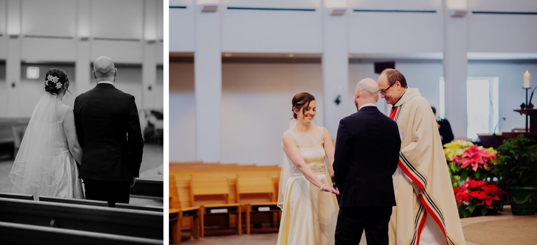 045_McGrath-Libertyville-IndependenceGrove-Winter-Wedding_0065_McGrath-Libertyville-IndependenceGrove-Winter-Wedding_0064.jpg