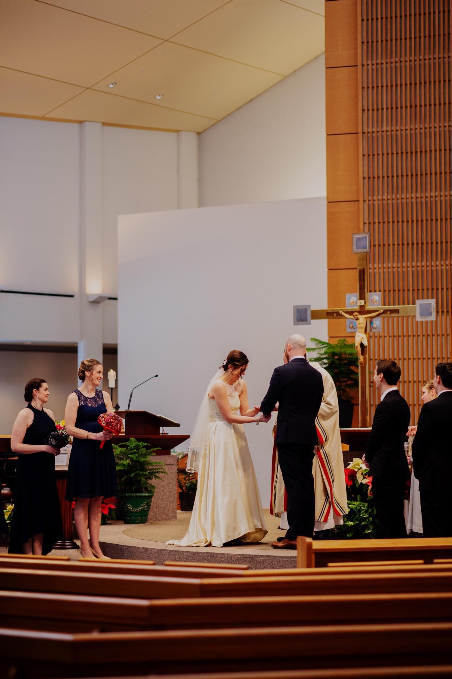 047_McGrath-Libertyville-IndependenceGrove-Winter-Wedding_0067_Independencegrovewedding.jpg
