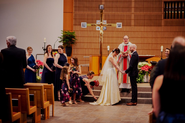 050_McGrath-Libertyville-IndependenceGrove-Winter-Wedding_0071.jpg