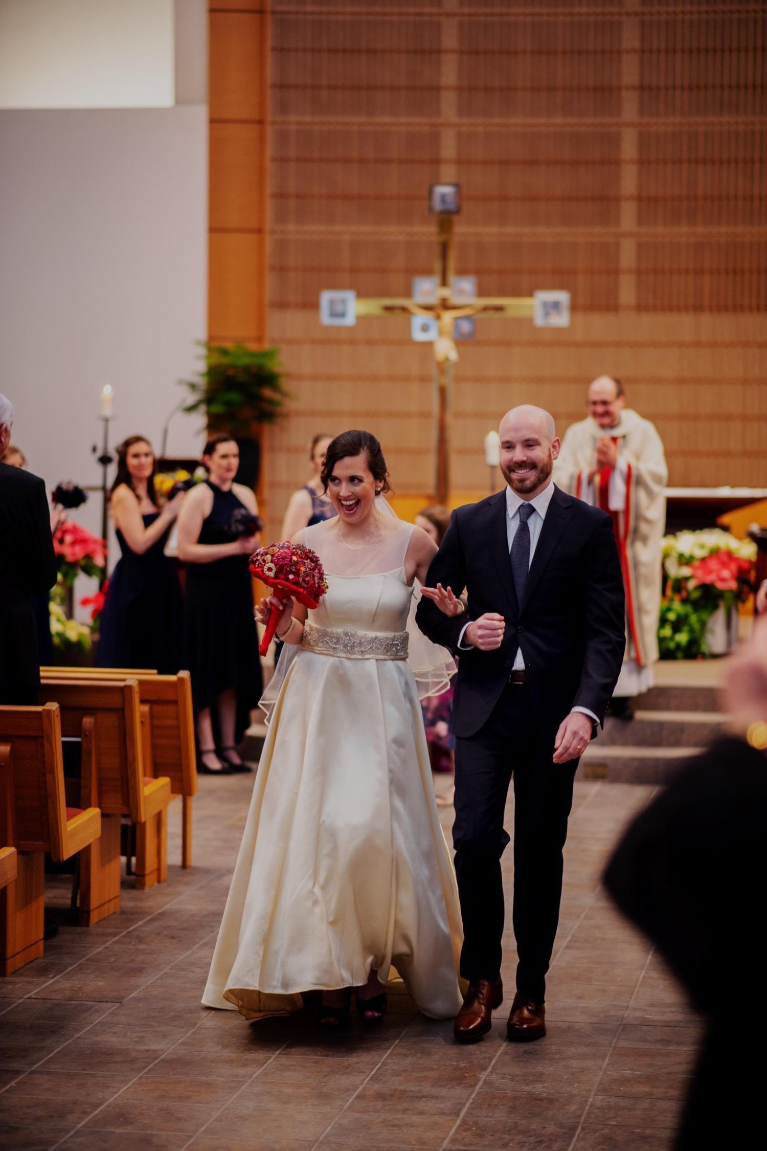 053_McGrath-Libertyville-IndependenceGrove-Winter-Wedding_0075.jpg