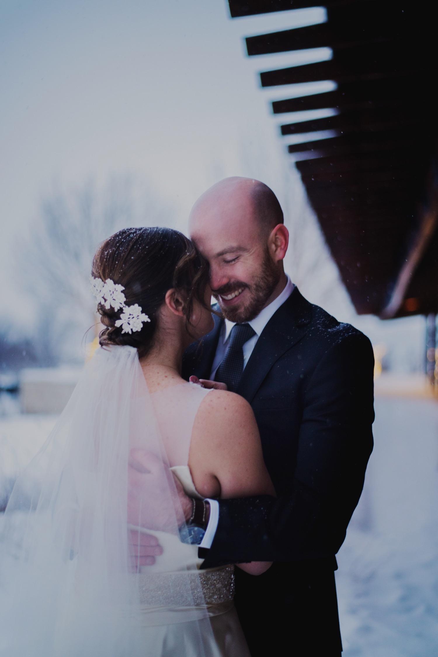 070_McGrath-Libertyville-IndependenceGrove-Winter-Wedding_0100_Independencegrovewedding.jpg