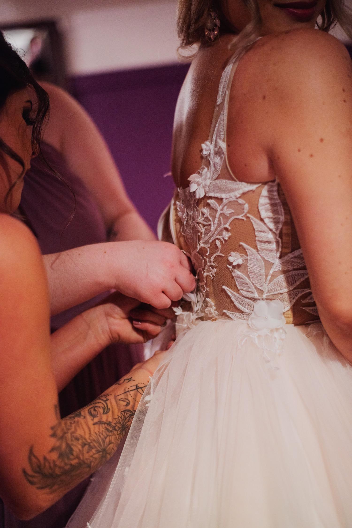 018_Benckendor-TheSilverFox-Streator-Wedding_0028.jpg