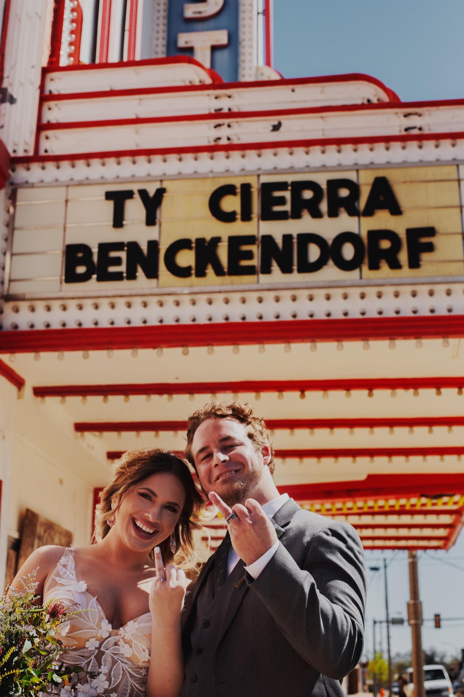 076_Benckendor-TheSilverFox-Streator-Wedding_0112.jpg
