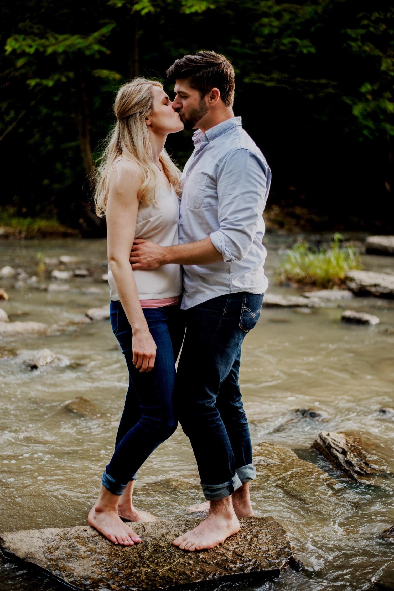 11_Mollie-Adam-WaterfallGlen-EngagementSession_0220.jpg