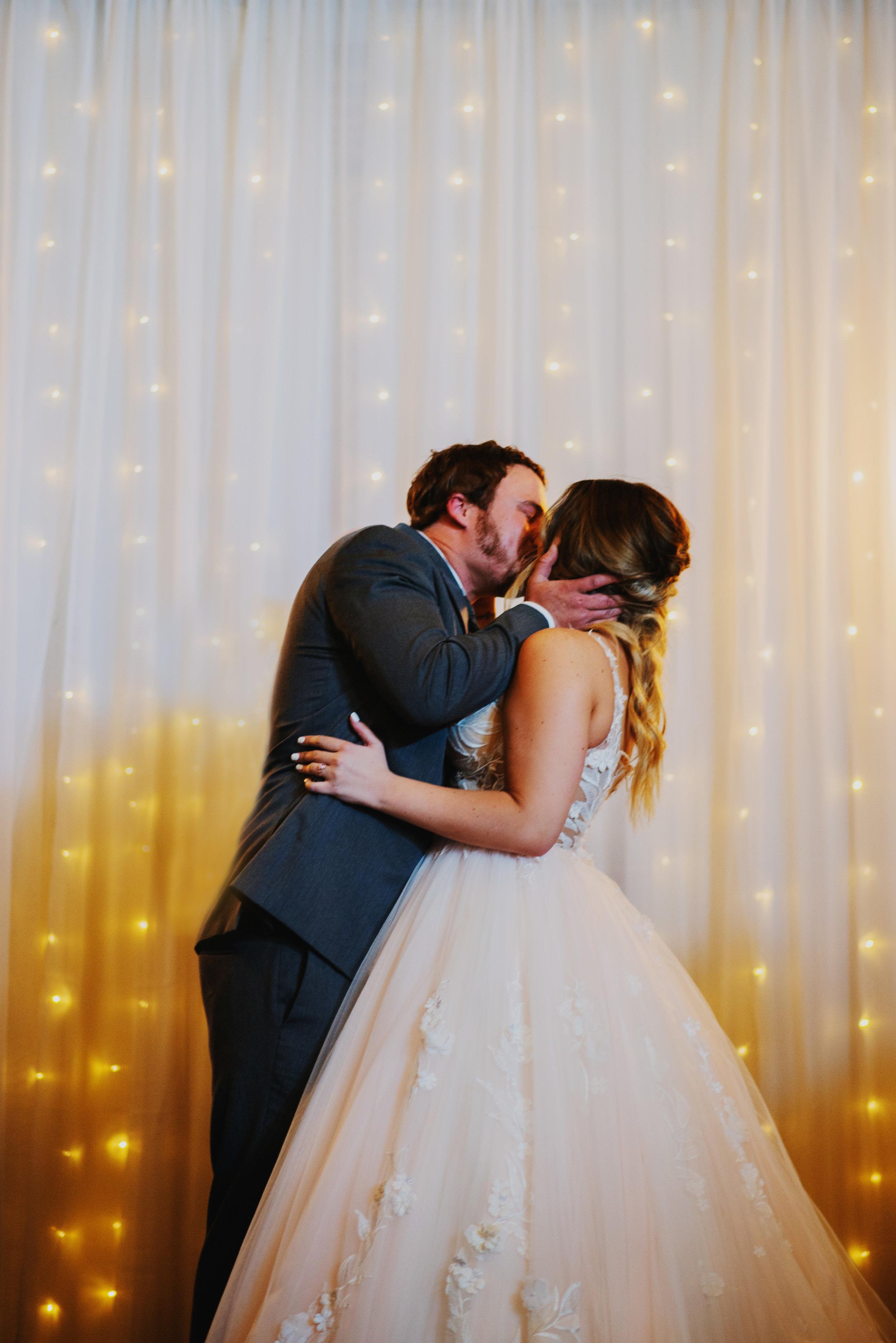 Benckendor-TheSilverFox-Streator-Wedding_0180.jpg