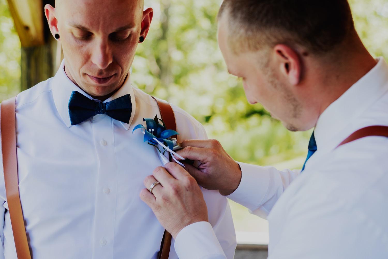035_Bowden-Pavlocik-Galena-OakHillFarm-Wedding_0054.jpg