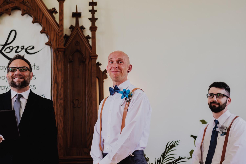 056_Bowden-Pavlocik-Galena-OakHillFarm-Wedding_0085.jpg