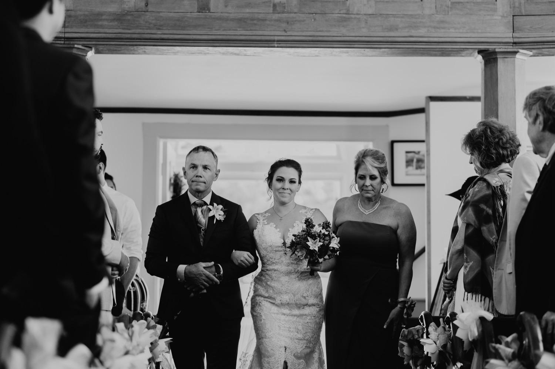 057_Bowden-Pavlocik-Galena-OakHillFarm-Wedding_0086.jpg