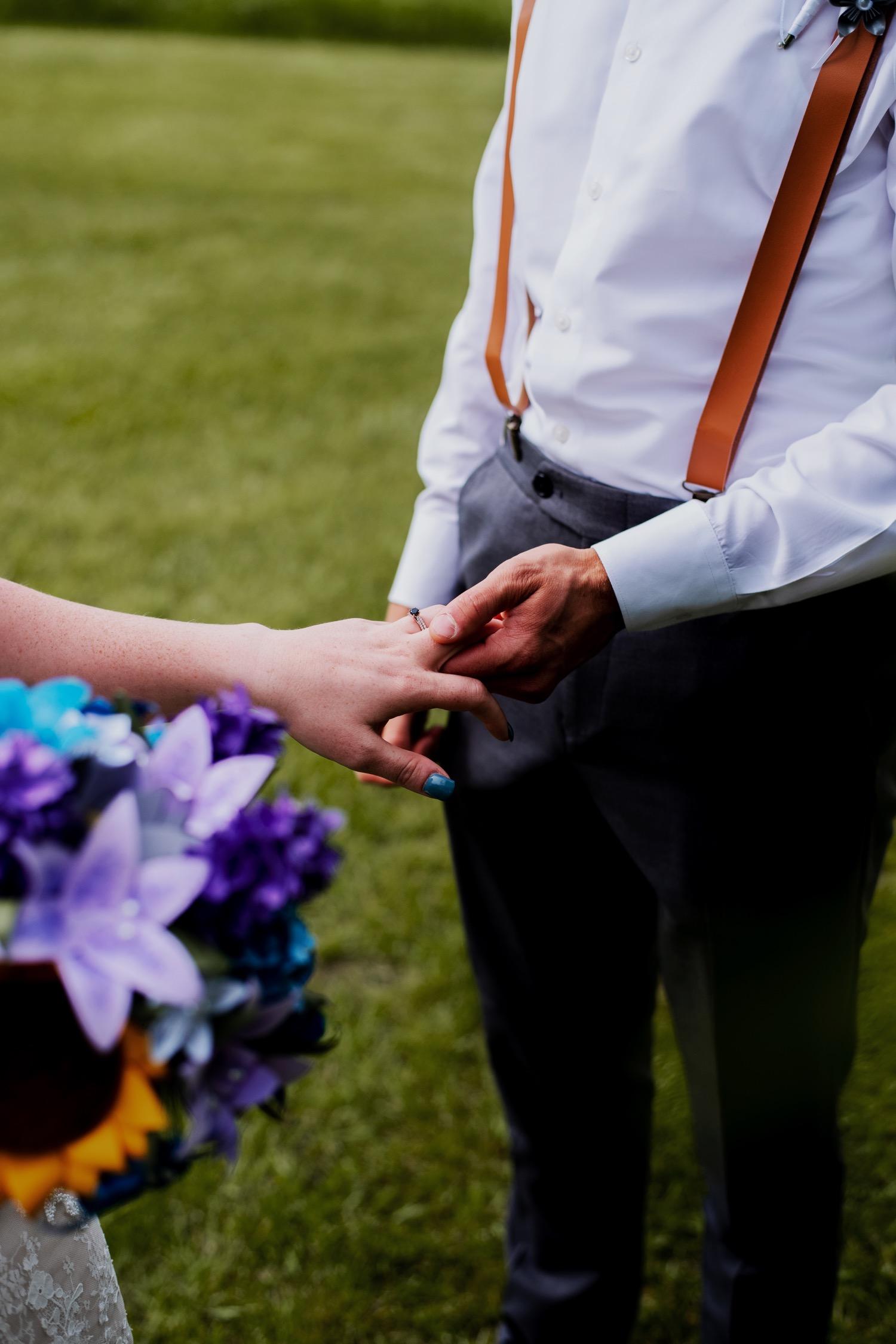 070_Bowden-Pavlocik-Galena-OakHillFarm-Wedding_0107.jpg
