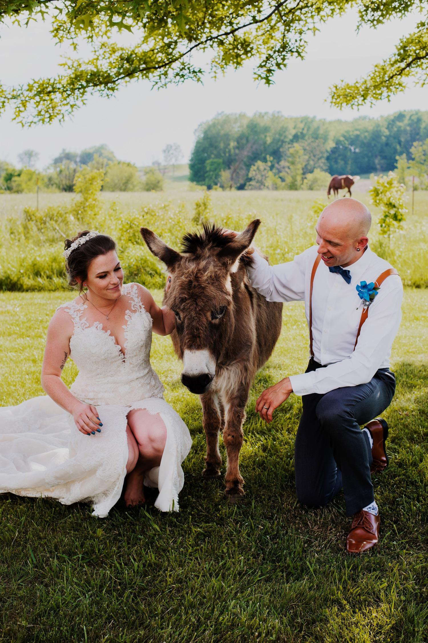 083_Bowden-Pavlocik-Galena-OakHillFarm-Wedding_0128.jpg