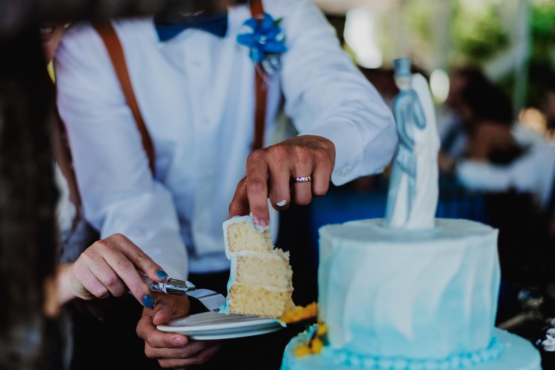 092_Bowden-Pavlocik-Galena-OakHillFarm-Wedding_0143.jpg