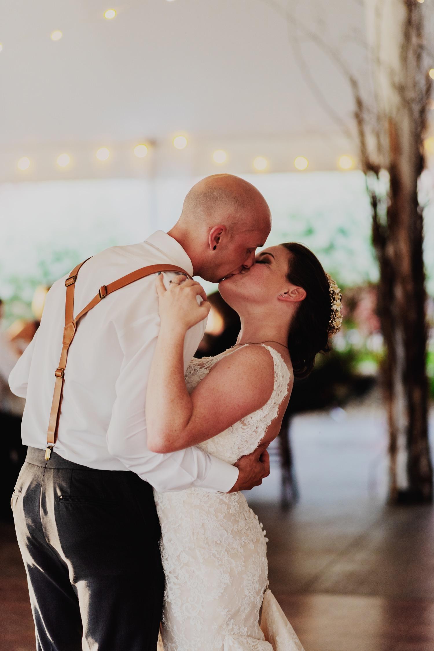 105_Bowden-Pavlocik-Galena-OakHillFarm-Wedding_0167.jpg