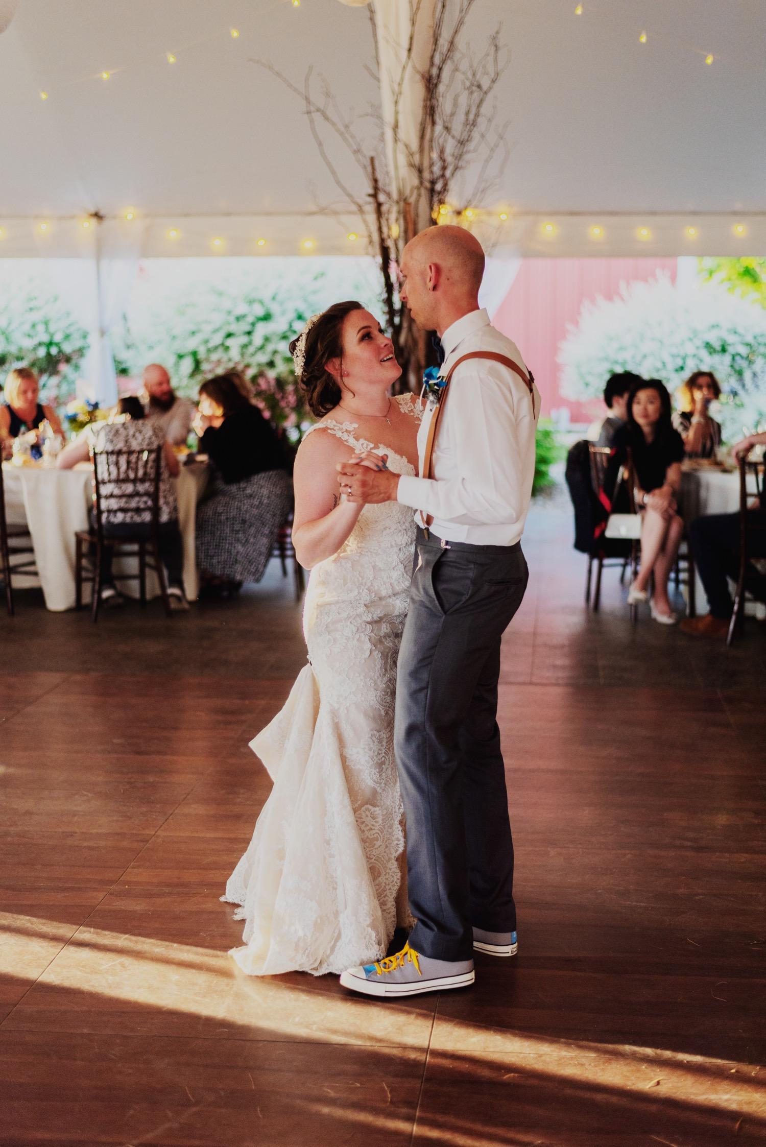 104_Bowden-Pavlocik-Galena-OakHillFarm-Wedding_0164.jpg
