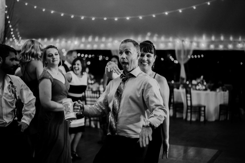 130_Bowden-Pavlocik-Galena-OakHillFarm-Wedding_0201.jpg