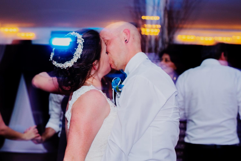 140_Bowden-Pavlocik-Galena-OakHillFarm-Wedding_0212.jpg