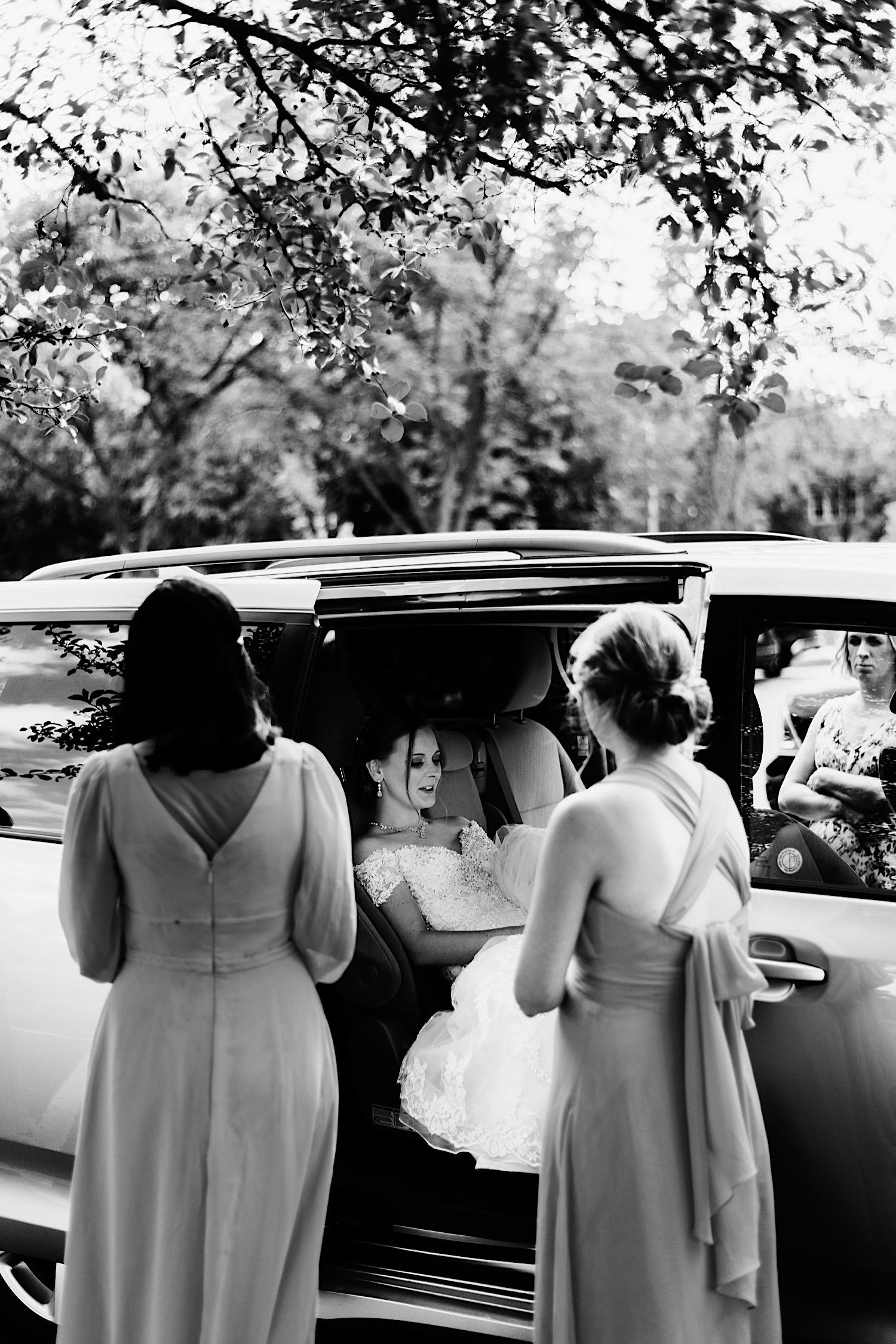 003_Dodd-Hejnar-Riverside-Reception-Geneva-Illinois-Wedding_0004.jpg