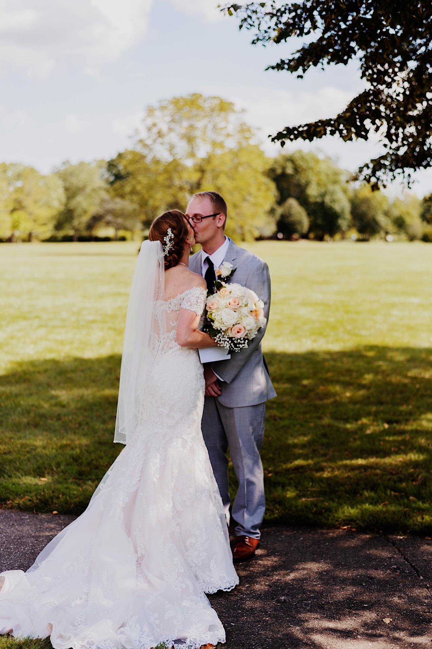 008_Dodd-Hejnar-Riverside-Reception-Geneva-Illinois-Wedding_0012.jpg