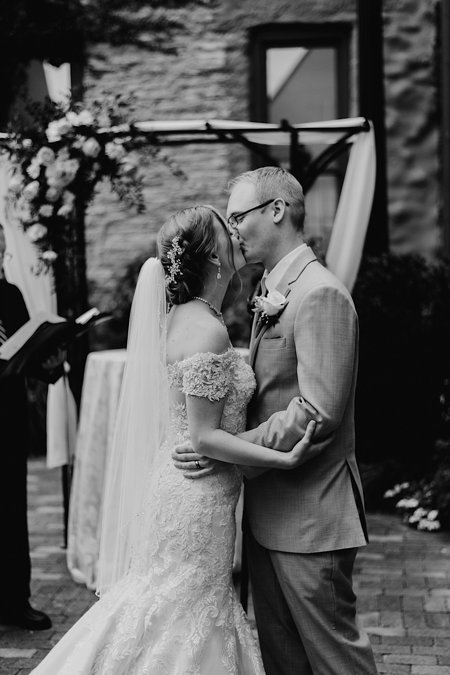 058_Dodd-Hejnar-Riverside-Reception-Geneva-Illinois-Wedding_0091.jpg