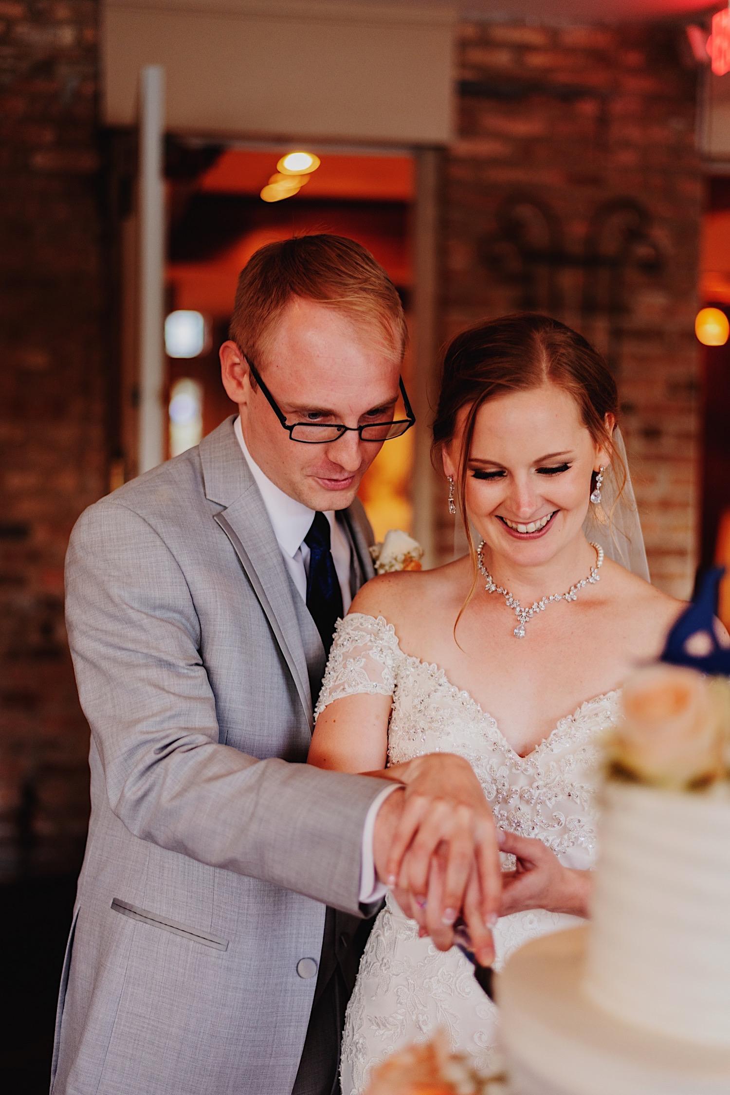 071_Dodd-Hejnar-Riverside-Reception-Geneva-Illinois-Wedding_0111.jpg