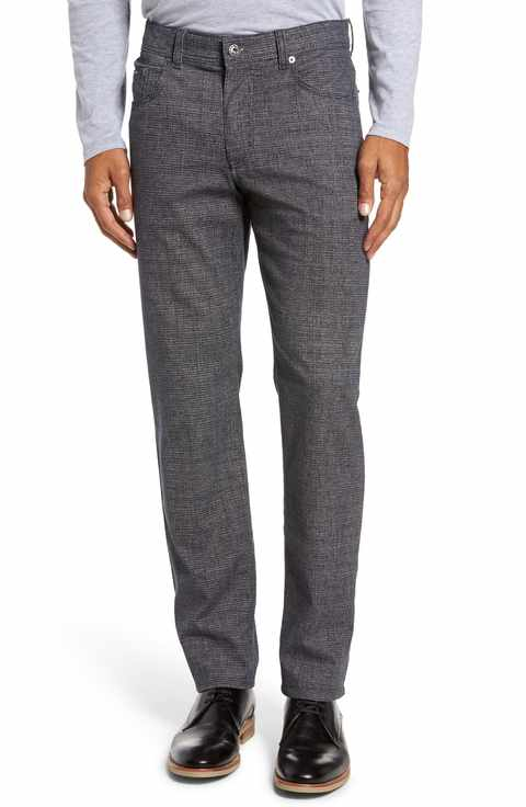 Five-pocket non-denim pants from Brax.