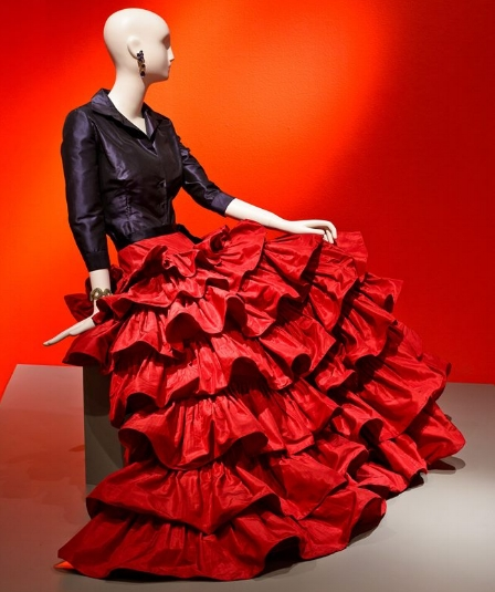 An evening ensemble from Oscar de la Renta, one of the gowns that's part of  The Glamour & Romance of Oscar de la Renta  exhibit at the Mint Museum Randolph. It's on view through July 29.