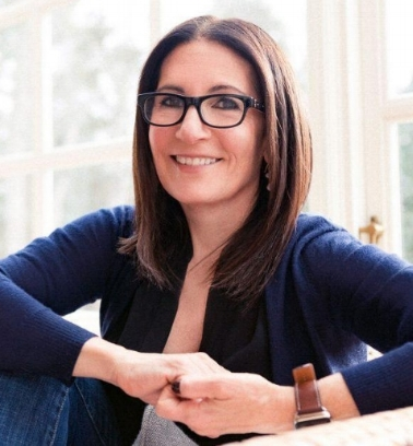 Famous makeup artist and entrepreneur Bobbi Brown is the featured speaker at the Mint Museum Auxiliary's Fall EnrichMINT event on Nov. 15.