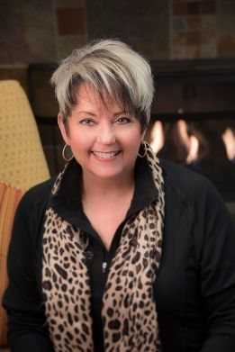 Lynn Ivey: Follow Your Intuition (#16)