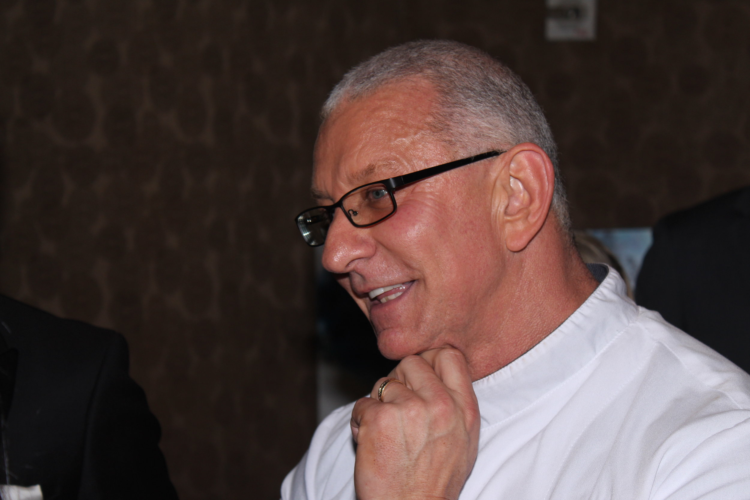 Celebrity Chef Robert Irvine prepared a truly incredible menu for attendees.
