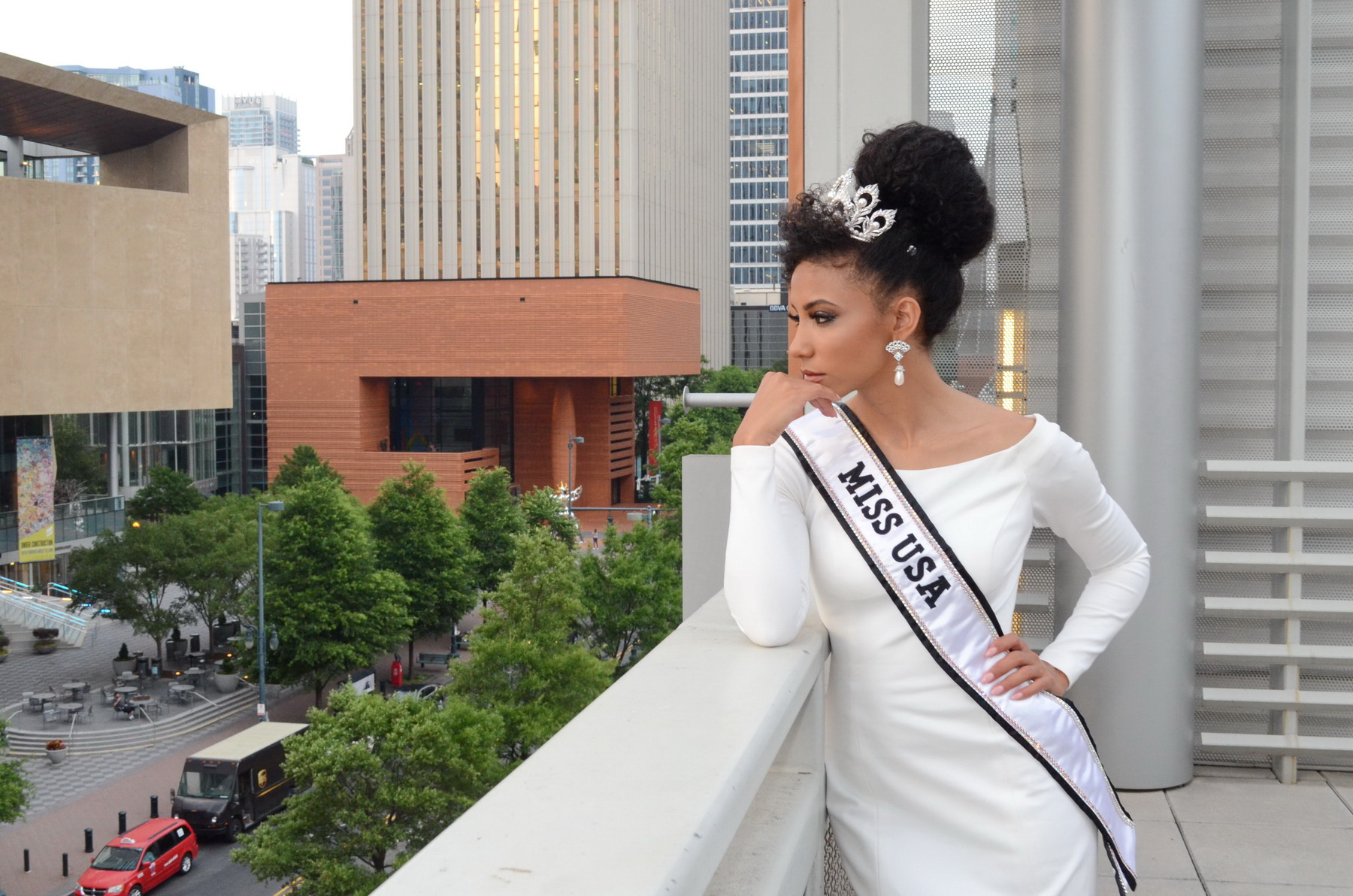 Miss USA Cheslie Kryst, a Charlotte attorney and the reigning Miss North Carolina USA, was celebrated by her family and friends at a private event at the Harvey B. Gantt Center for African-American Arts + Culture.  Cheslie also volunteers as a member of the Gantt Center's Millennial Advisory Board.
