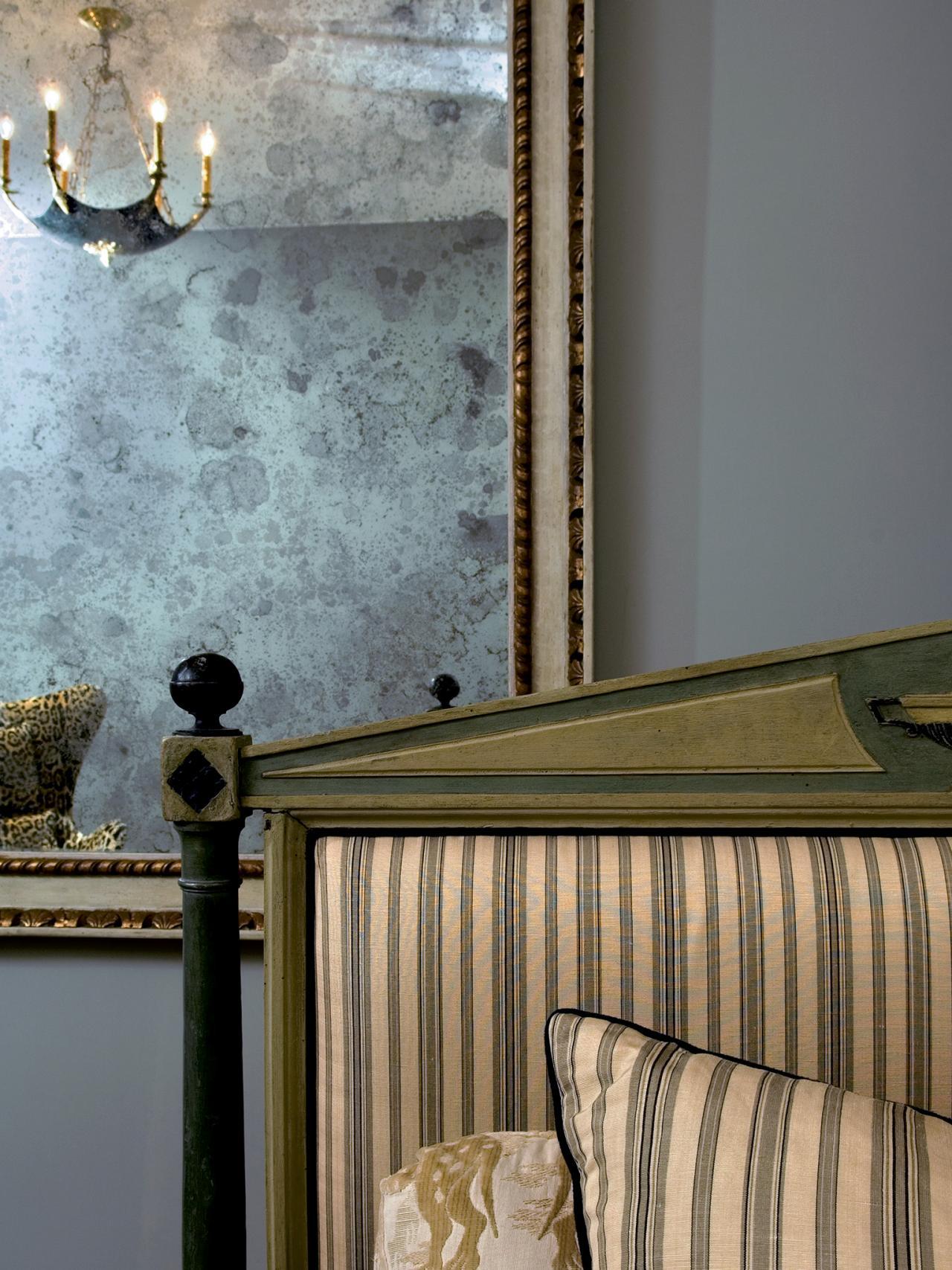 CI-Farrow-And-Ball-The-Art-of-Color-pg113_large-Georgian-mirror_3x4_jpg_rend_hgtvcom_1280_1707.jpg