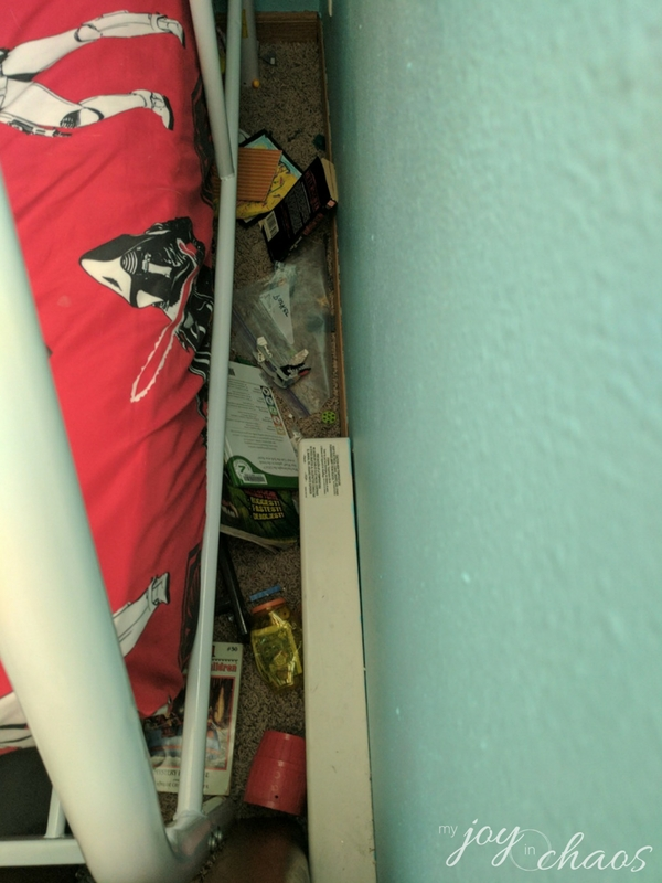 under the bed clutter kids room