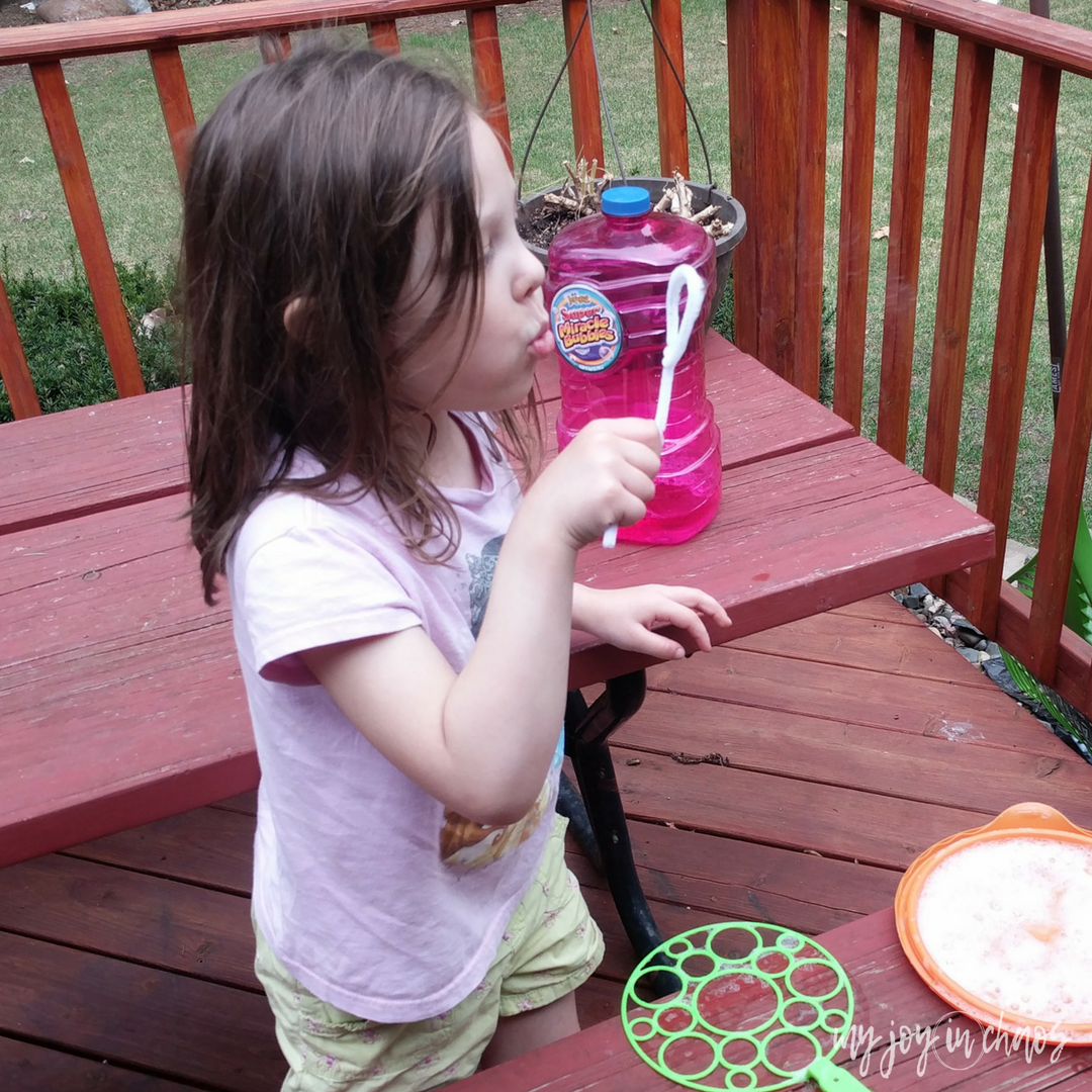 homemade pipe cleaner bubble blower