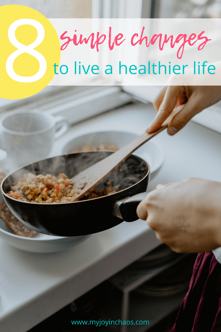 Healthy choices don't need to be elaborate or difficult. Small, simple changes are the best way to create long lasting healthy habits in our lives. Here are 8 simple changes you can make to start living a healthier life, now. #healthyliving #healthyeating #healthychoices #healthymeals #lifestylechanges