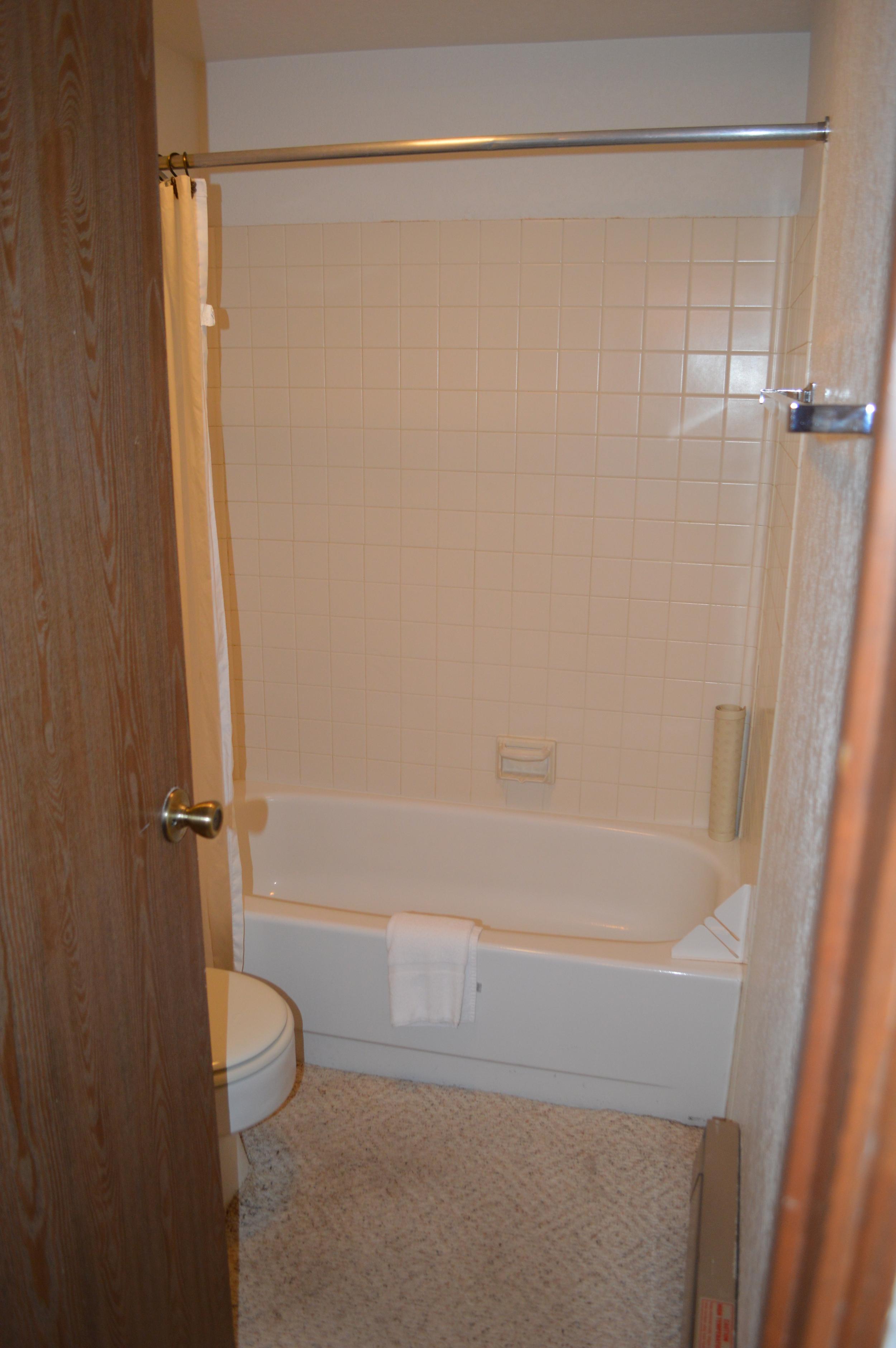 10-master Shower.JPG