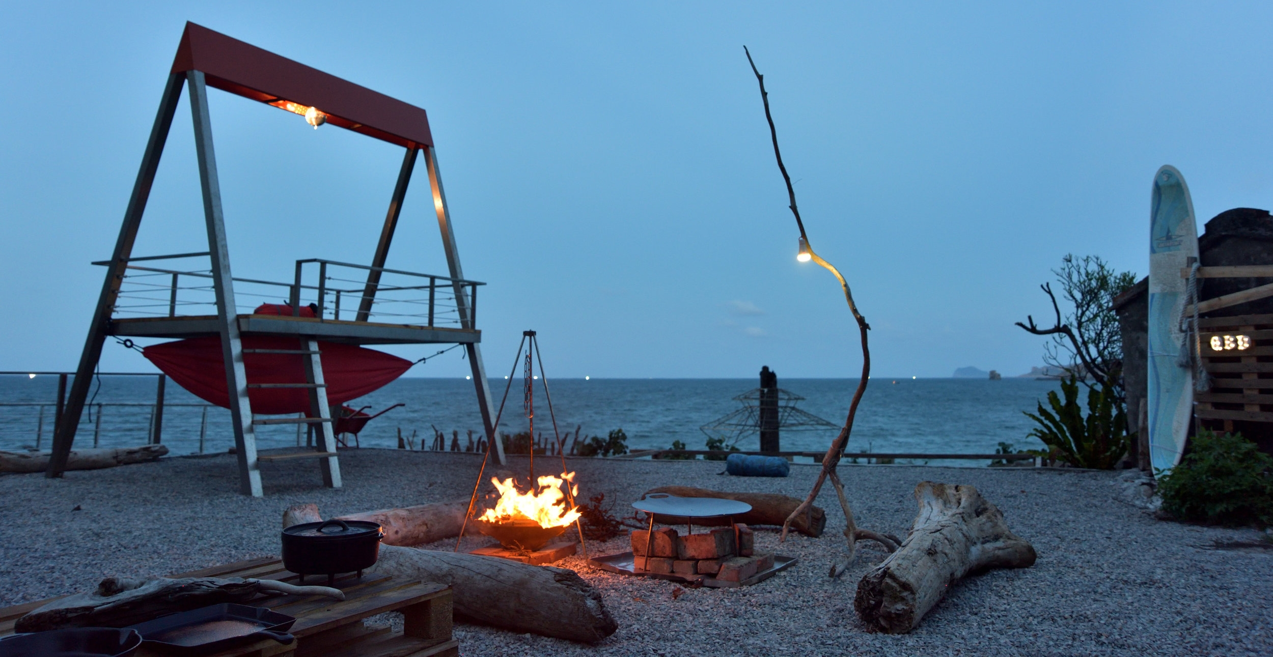 LIFE  靠北的海灣戶外區包場預約  想在海邊過一夜可以包場租借Q.B.Days的戶外區....